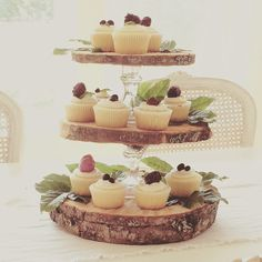 Little Farmstead: Rustic 3-Tier {Cupcake} Stand