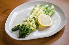 Roasted Asparagus with Easy Hollandaise Sauce