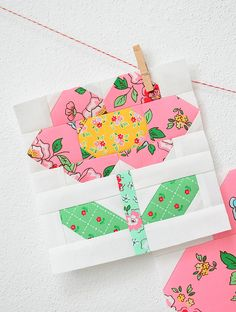 I added a new category to my Etsy Shop: single quilt block patterns in two sizes. This is the Spring Flower quilt block pattern made with Mon Beau Jardin fabric. Quilting For Beginners, Quilting Tutorials, Quilting Projects, Quilting Designs, Mini Quilts, Cute Quilts, Quilt Block Patterns, Pattern Blocks, Quilt Blocks