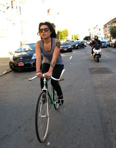 New pictures of chicks and bikes and a fixed gear tattoo on this girls chest. Bike Gang, Bike Details, Female Cyclist, Urban Cycling, Cycling Girls, Fixed Gear Bike, Cycle Chic, Bicycle Girl, Bike Style