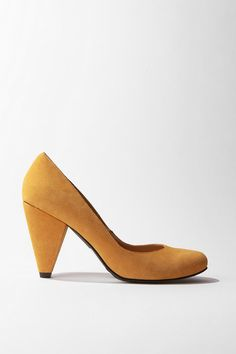 mustard shoes!