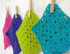 Sparkling Clean Dishcloths, a free crochet pattern from Fiber Flux