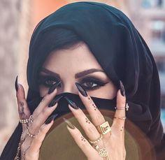 Muslim arabic eyes makeup nail tattoo Indian belly dance Previous Post Next Post Huda Beauty, Beauty Makeup, Eye Makeup, Hair Makeup, Makeup Blog, Makeup Ideas, Makeup Tips, Arabian Makeup, Arabian Beauty