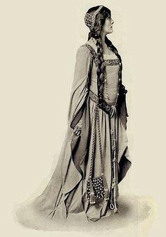 Hamlet at the Adelphi Theatre, London, 4th April, 1905. Ophelia: Lily Brayton.