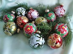 Christmas ball, Christmas ball Hand-painted Christmas ball with matyo pattern. Spheres have a diameter of 6 cm, plastic based Painted with acrylic. Christmas Balls, Hand Painted, Pattern, Painting, Decor, Christmas Baubles, Decoration, Patterns, Painting Art