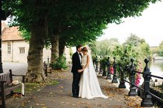 A Ritva Westenius Gown for a Glamorous Black Tie and Back Garden Wedding
