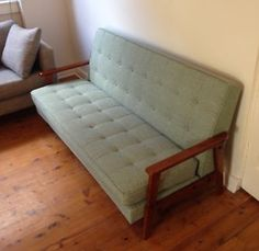 RETRO STYLE COUCH Redfern Inner Sydney Preview