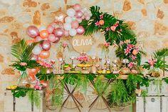 Η σημερινή διακόσμηση βάπτισης θα σας κερδίσει από το πρώτο λεπτό! Ένας καταπράσινος χώρος ενισχύθηκε με τροπικό στυλ και φωτεινά,...see more » Baptism Decorations, Table Decorations, Christening, Vivid Colors, Origami, Tropical, Girly, Wreaths, Unique