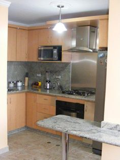 Aprovechando espacios en cocinas pequeñas.