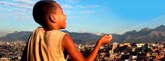 """""""5 x Pacificação"""" traz a história das UPPs (Unidades de Polícia Pacificadora) nas favelas do Rio de Janeiro de um modo diferente do que se vê nos noticiários. Os produtores Cacá Diegues e Renata de Almeida Magalhães as examinaram de dentro, do ponto de vista dos moradores das comunidades e buscaram um olhar mais real...<br /><a class=""""more-link"""" href=""""https://catracalivre.com.br/geral/agenda/barato/sessao-especial-exibe-5x-pacificacao-com-entrada-gratuita/"""">Continue lendo »</a>"""