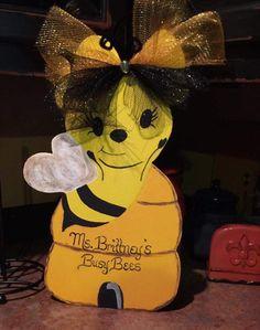 Teacher appreciation Bumble bee door hanger