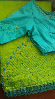 Embroidery and loved the colour co-ordination Blouse Patterns, Saree Blouse Designs, Blouse Styles, Embroidery Saree, Hand Embroidery, Simple Sarees, Blouse Models, Collor, Casual Saree