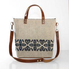 Ľudová kabelka s pásom lístkov a sŕdc Burlap, Reusable Tote Bags, Closet, Armoire, Hessian Fabric, Closets, Cupboard, Wardrobes, Jute