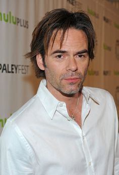 Billy Burke at event of Revolution
