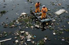 Millions at risk from rising water pollution: UN. Already, some 3.4 million people die every year from water-borne ailments such as cholera, typhoid, some types of hepatitis and diarrhoeal diseases, said the United Nations Environment Programme. Increasingly polluted rivers in Africa, Asia and Latin America pose a disease risk to more than 300 million people and threaten fisheries and farming in many countries, a UN report warned Tuesday.
