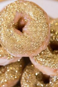glitter doughnuts - 14 Ways to Cook with Glitter (Because You Can, Dammit) via @PureWow