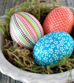Make bright and beautiful decoupage eggs to display on Easter that you can use over and over again! - Everyday Dishes & DIY