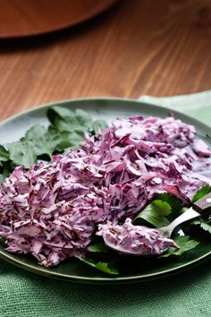 Coleslaw på rödkål - Düşük karbonhidrat yemekleri - Las recetas más prácticas y fáciles Keto Cabbage Recipe, Cabbage Recipes, Vegetarian Cabbage, Vegetarian Keto, Keto Foods, Ketogenic Recipes, Dairy Free Recipes, Low Carb Recipes, Paleo Recipes
