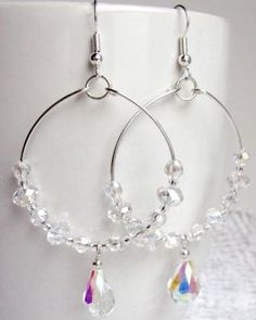 Homemade Jewelry: How To Create Your Own Handmade Hoop Earrings Wire Jewelry, Jewelry Crafts, Wedding Jewelry, Beaded Jewelry, Jewellery Box, Jewellery Shops, Jewelry Stores, Jewelry Ideas, Jewelry Armoire