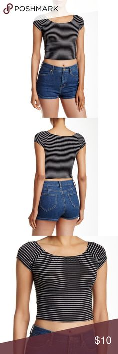 Short sleeve striped crop tee Black & white striped shirt sleeve cropped tee. New with tags. Mimi Chica Tops Crop Tops