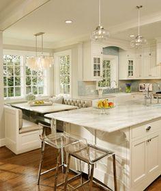 warm white kitchen (Sherwin Williams, White Hyacinth)
