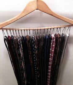 Men's tie storage: Used metal shower hooks on a hanger and looped the ties on. Tie Storage, Closet Storage, Closet Wall, Diy Wall Shelves, Hanging Shelves, Organizar Closet, Tie Organization, Storage Organizers, Diy Organizer