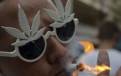 Colombia's President Juan Manuel Santos has signed a decree legalizing the growing and sale of marijuana for medical purposes.