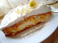 λευκή τούρτα με ινδοκάρυδο Greek Recipes, My Recipes, Dessert Recipes, Cheesecake Tarts, Recipe Images, Sweet Desserts, Cheesecakes, Vanilla Cake, Deserts