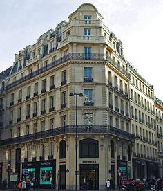 Paris, Haussmann: Worldwide recognized location in Paris' Opera district