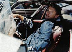 Jensen Ackles photoshoot for the November 2006 issue of Men's Fitness.
