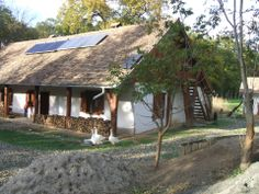 Eco-folk: a traditional cottage with solar panels (!) in Hungary Cottage Homes, Solar Panels, Hungary, Old Houses, Homesteading, Countryside, House Plans, Exterior, Rustic