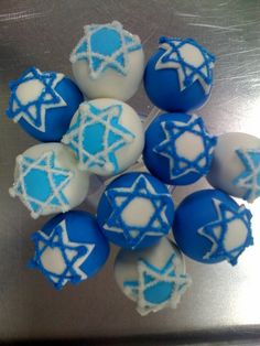 Happy Hannukka Cake Pops! by Sweet Lauren Cakes, via Flickr