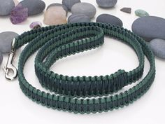 Two Tone Green Paracord Dog Lead