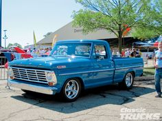 old ford trucks Classic Ford Trucks, Ford Pickup Trucks, Classic Cars, Lifted Trucks, Lifted Ford, Dually Trucks, Cool Trucks, Cool Cars, Big Trucks
