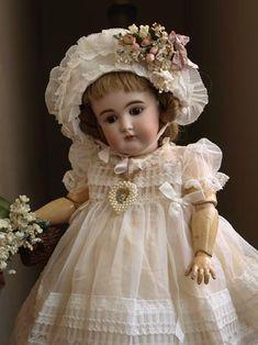 Porcelain Manufacturers In China Info: 5934609538 Old Dolls, Antique Dolls, Vintage Dolls, Fabric Dolls, Paper Dolls, Doll Toys, Baby Dolls, Doll Dress Patterns, Doll Shop