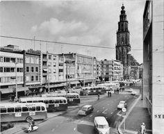 Groningen<br />Groningen : De Grote Markt Noordzijde omstreeks 1952