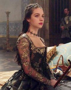 Reign (Adelaide Kane as Mary Queen of Scots) Moda Medieval, Medieval Dress, Reign Dresses, Royal Dresses, Queen Aesthetic, Princess Aesthetic, Marie Stuart, Reign Tv Show, Reign Mary