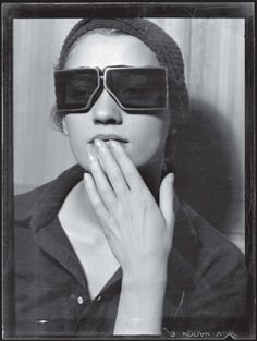Lee Miller, 1929    Man Ray