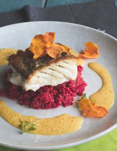 Skrei with beetroot risotto and pumpkin foam - on the way in which to .- Skrei with beetroot risotto and pumpkin foam – on the way in which to Sylt - Grilled Fish Recipes, Shrimp Recipes, Meat Recipes, Gourmet Recipes, Snack Recipes, Chicken Recipes, Fish Varieties, Pumpkin Mousse, Seafood Appetizers