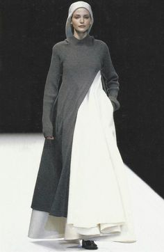 nadja auermann at yohji yamamoto fall winter 1996/97