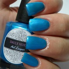 daily hues nail lacquer Bluebell!