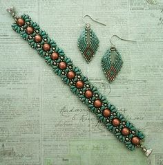 Linda's Crafty Inspirations: Playing with my beads...Russian Leaf Samples