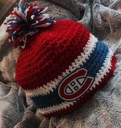Montreal Canadians H Crochet For Boys, Crochet Baby Hats, Crochet Beanie, Love Crochet, Knitted Hats, Knit Crochet, Patron Crochet, Chrochet, Yarn Projects