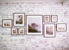 Настенная галерея – самый простой способ решить множество задач декора, которые перед вами стоят. Во-первых, эстетические: с помощью галереи можно задать настроение всему пространство. Во-вторых, практические: настенная галерея поможет скрыть огрехи стены, трещины, пятна и прочие неприятности, на капитальное исправление которых у вас сейчас нет времени или средств. Ну и в-третьих, артистические и ностальгические: галерея,...