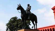 Sir Mark Cubbon was Commissioner for Coorg and Mysore 1834-1861. An eminent ruler who played a key role in ensuring the economic and physical stability of the state. The statue was unveiled in front of the Karnataka High Court in March 1866 by Lewin Bowring.