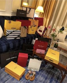babe, cartier, and fashion imageYou can find Cartier and more on our website. babe, cartier, and fashion image Boujee Lifestyle, Luxury Lifestyle Fashion, Wealthy Lifestyle, Millionaire Lifestyle, Kenzo, Indoor Crafts, Birthday Goals, Luxe Life, Rich Girl
