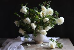 #still #life #photography • photo: С белым шиповником... | photographer: Юлия Тельес | WWW.PHOTODOM.COM