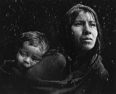 La felicità ci solleva sulle braccia, ci porta per qualche istante sul suo viso come la madre col bambino, e poi senza avvisare ci rimette a terra, sul terreno scivoloso della vita. (Fabrizio Caramagna)  ************************************ Pedro Luis Raota - Inspiration from Masters of Photography - 121Clicks.com