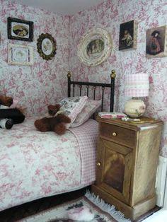 Pretty miniature bedroom