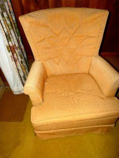 Cute Vintage Chair!! Pre-Set Up Photo for Sale Next Week, in South Atlanta, Starts Thursday, January 30, 2014